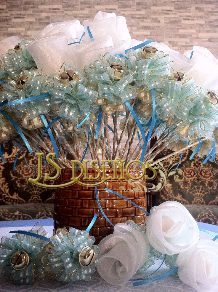 Rosas Arroceras y Sonajeros de Recuerdo para la Iglesia