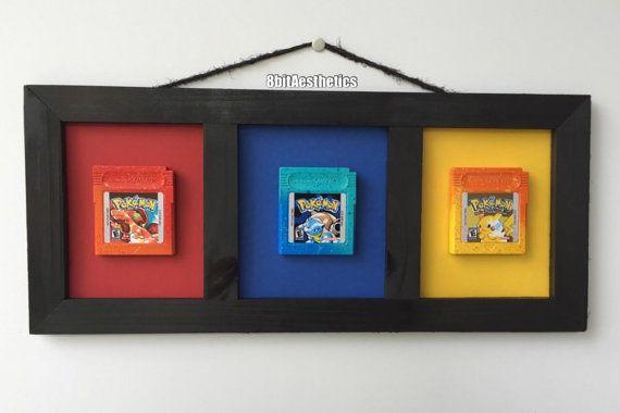 Personalizzato Nintendo Gameboy Pokemon rossa blu gialla cartuccia incorniciato DISPLAY da 8bitAesthetics