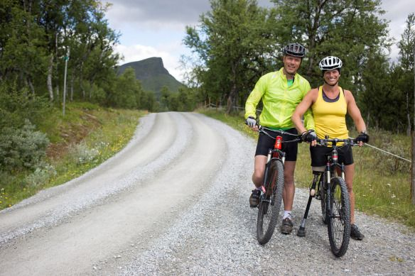 Mountainbike trip in Funäsfjällen with my husband Ronnie.  Foto: Calle Eriksson