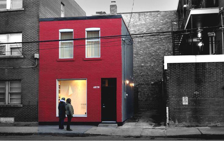 Comme son nom l'indique, le Tire Shop était initialement un garage à pneus, construit à Verdunen 1920. Presque 100 ans plus tard, en 2010, la firme MARK+VIVI (formée du couple Mark Fekete et Viviana de Loera) a vu en cette structure le potentiel pour en faire leur micromaison/galerie d'art. Au rez-de-chaussée se trouvent la salle …