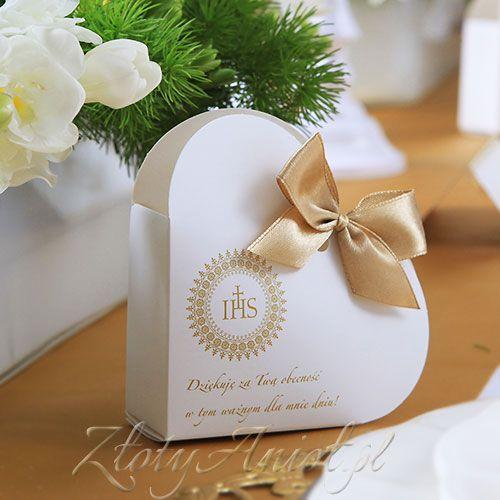 Pudełeczko w kształcie serca to idealne rozwiązanie na zapakowanie upominków dla gości komunijnych.