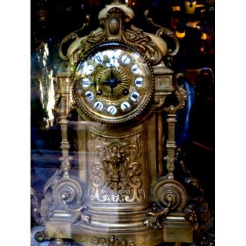 Bronz antika masa saati ,çift şamdan