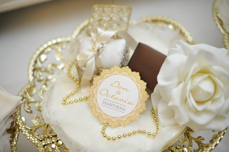 Cream & Gold gift tray