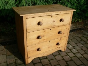 Vintage Pine 3 Drawer Chest