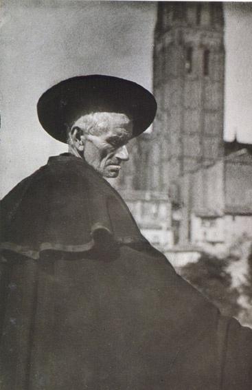 #photographer : José Ortiz Echagüe - Segoviano 1920
