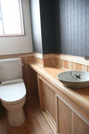 和の良さを生かし落ち着ける空間にしてくれる和風トイレをご紹介します。和ならではの良さをたっぷりと感じることが出来ますよ。