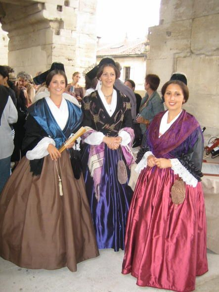 FolkCostume: Woman's costume of Arles, Provence, France #Arles
