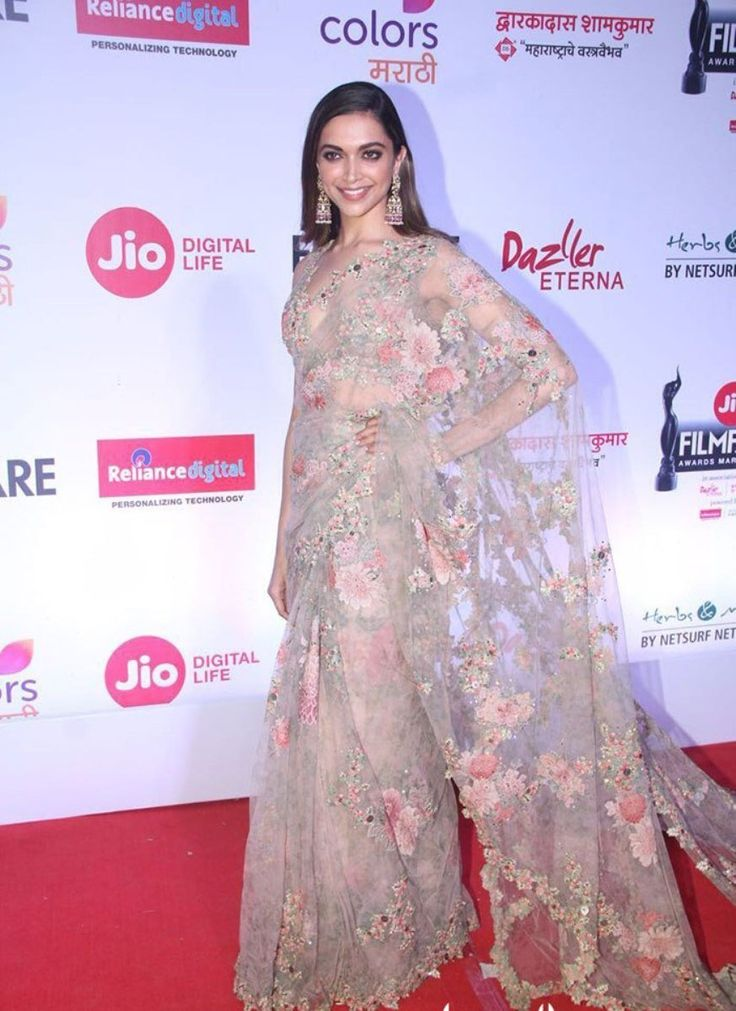 Deepika Padukone looked like a bridal in beautiful red and ...