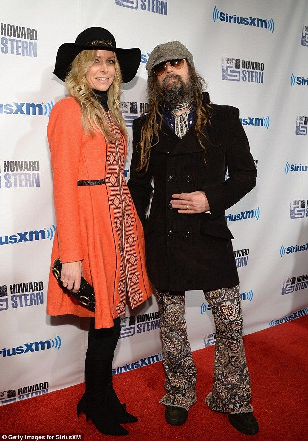 Here's Rob Zombie and wife Sheri going retro for Howard. Man, is this a blast tot he past or what! Well ... maybe for the people who lived through the retro age that is. I was born after the retro age so it's new to me. But this couple rocked the look, and matches even with the different color tones.