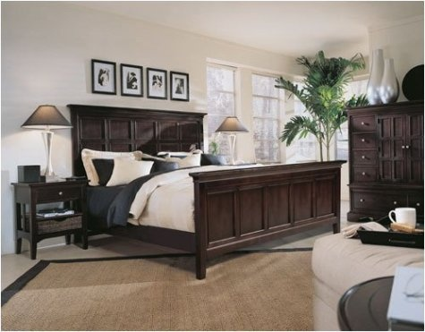 Love dark furniture in the bedroom!