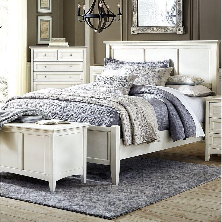 Flynnter Sleigh Bedroom Set