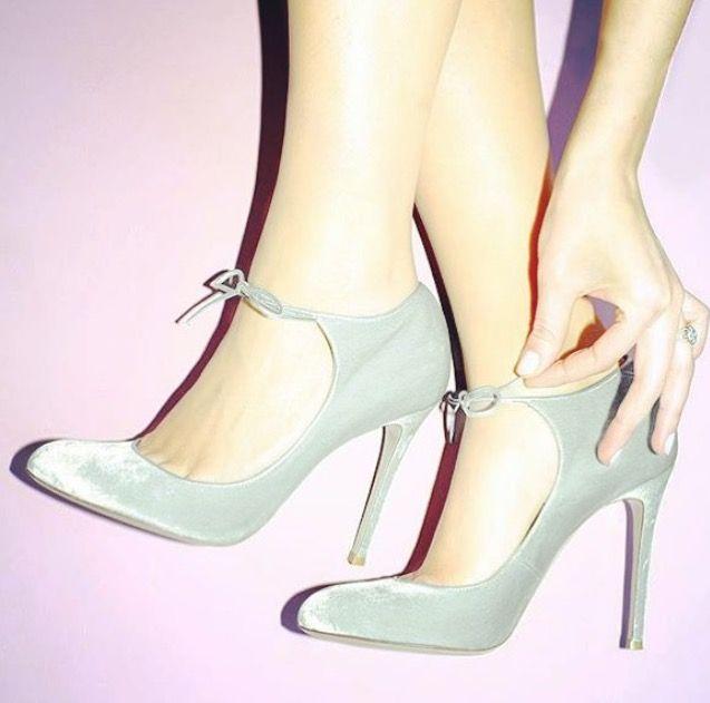 Zapato de novia en terciopelo verde agua