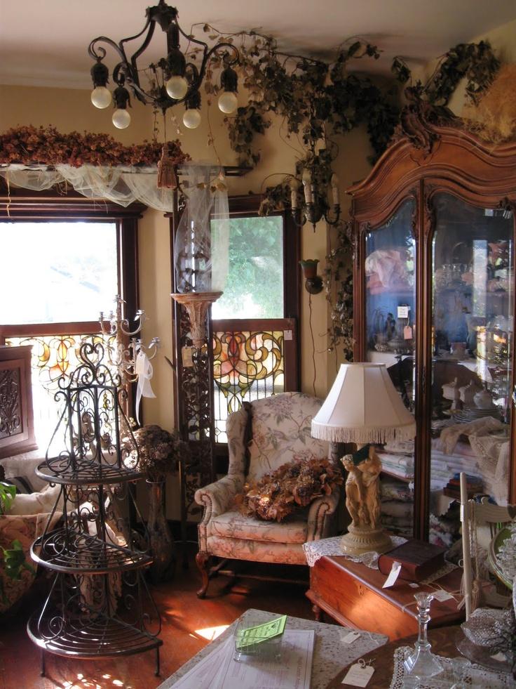Antiques Haeger  Hull  McCoy  Limoges  Depression Glass  Fenton  I like. 19 best Vintage furniture images on Pinterest