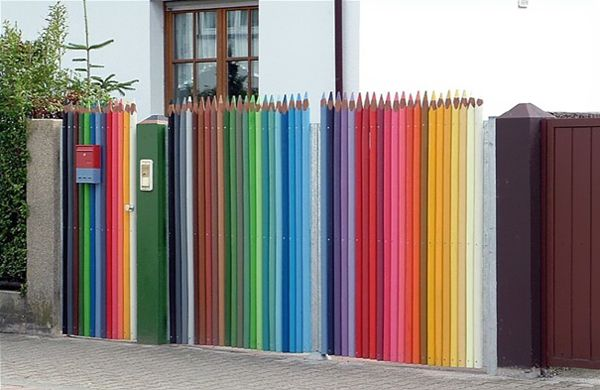 I'm doing this with my next fence.   Pencil Crayon Fence #Fence #Colored_Pencil_Fence: Idea, Street Art Utopia, Picket Fence, Pencilfence, Colors Pencil, Pencil Fence, House, Gates, Streetart