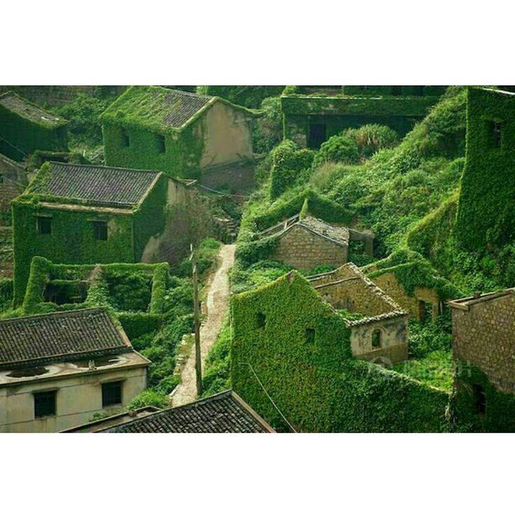 ラピュタの世界にしか見えない!中国の廃村が幻のような美しさ 4枚目の画像