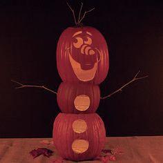 Modèle de sculpture de citrouille en forme d'Olaf