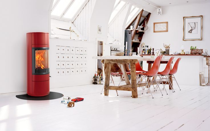 like the poffice style cupboards/shelving under the skylight...once again the complete washing cooking island bench...
