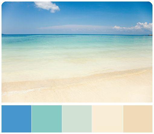 Основные цвета песочно-лазурной морской палитры: лазурно-зеленый, нежный песочно-зеленый, светло-песочный, золотисто-песочный. Дополнительные цвета палитры: синий, глубокий небесно-голубого, персиковый.