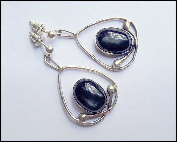 Black Star Sapphire, dangle earrings, romantic,  wedding, retro, gemstone, sterling silver, nostalgic, vintage, victorian, elegant by KatalinaArt on Etsy