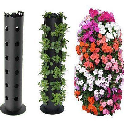 Foto: Torre de flores com cano de PVC.