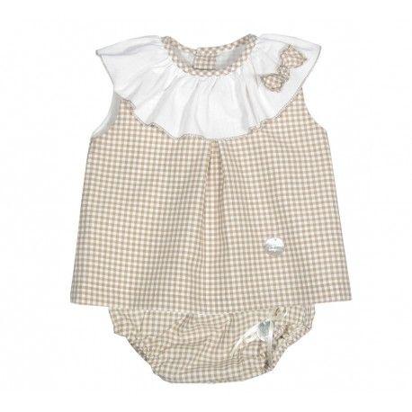 www.pepaonline.com Una monada! Blusa y braguita de cuadro vichy camel de la marca Eve Children en Conjuntos para Bebé. La ropa de bebé más bonita para esta temporada