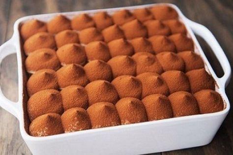 Какой он вкусный!!! Пожалуй это единственный торт, который я иногда делаю без повода. К тому же, времени на его приготовление уходит совсем немного. Бисквит кофейный просто очень вкусный, бархатный, нежный, кофейный. То, что надо для Тирамису! Единственный недостаток этого торта, надо иметь кухонные весы. Кофеманам и не только посвящается. Ингредиенты: Сироп: 100 мл.кофе свежесваренного 20-50гр. …