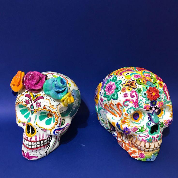 """6 Me gusta, 2 comentarios - Mandi Di Cûr (@mandidicur) en Instagram: """"Calaveritas mexicanas. Una explosión de color. #mandidicur #handmade #hechoamano #detallesbonitos…"""""""