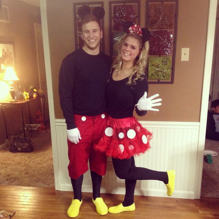 Mickey and Minnie Mouse couples costume.