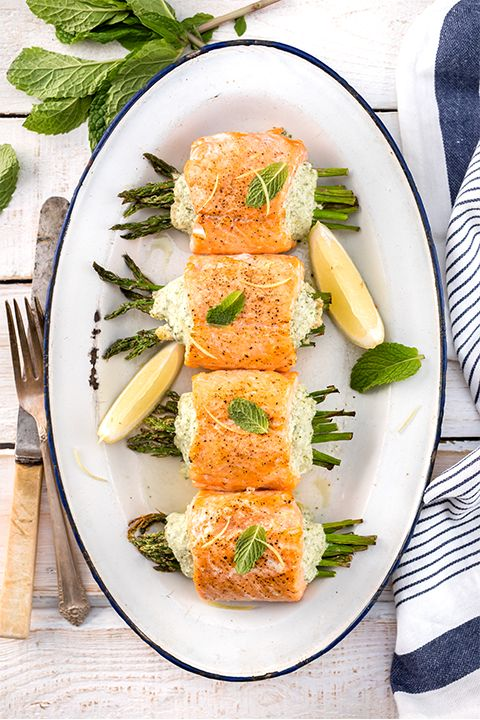 INGREDIENTS BY SAPUTO | Looking for ideas for a romantic summer dinner for two? Try this healthy salmon roll recipe stuffed with asparagus, mint, lemon and Saputo Feta cheese.