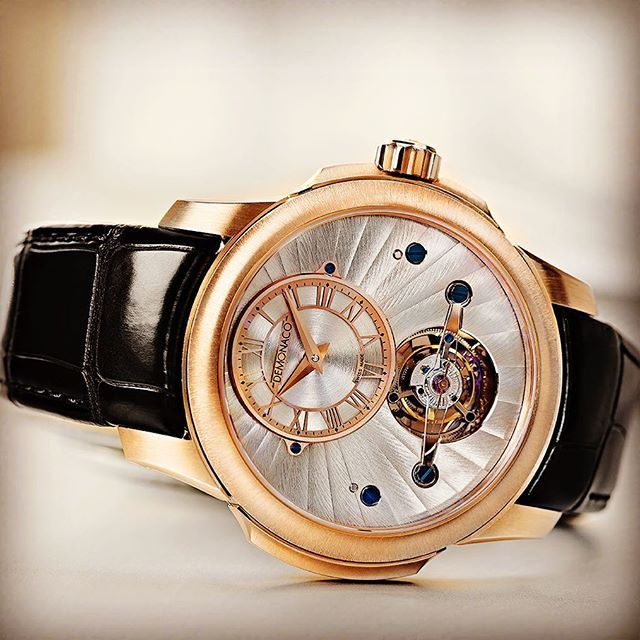 Let's be stylish trough the day with this Tourbillon Oculus -Petite Minute and…