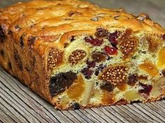 This is very delicious cake, with figs, dates, pieces of chocolate  and a lot of kind of dry fruits ...