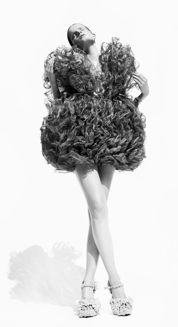 iris van herpen exhibition utrecht Iris van herpen (born 5 june 1984) is a dutch fashion designer  2014 mode,  de musical, centraal museum utrecht, nl 2013 solo exhibition, overview of all.