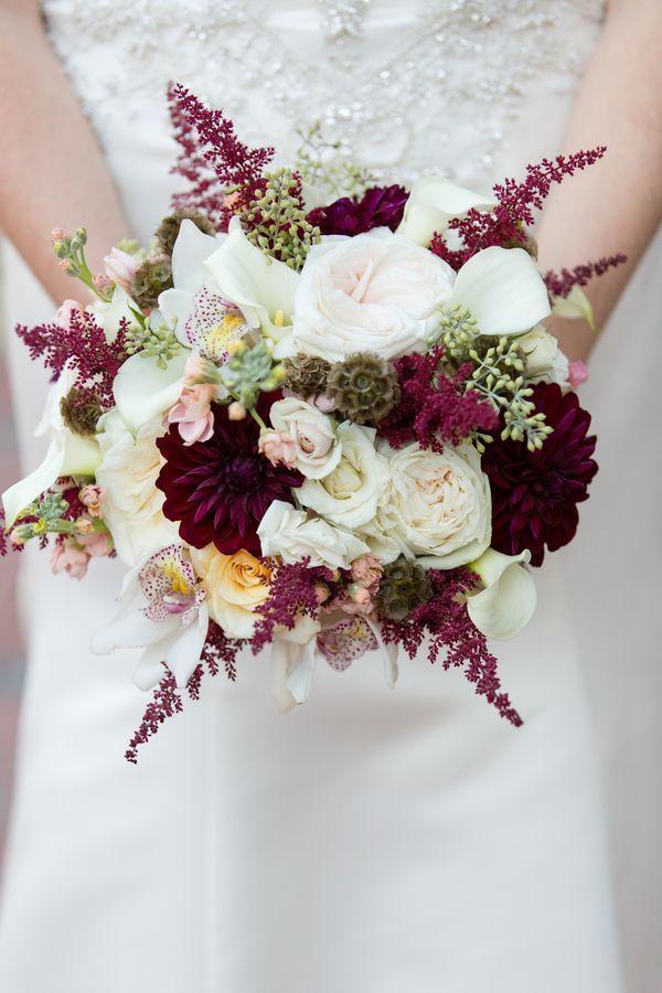 Marsala Wedding Bouquet. Classic NC Fall Wedding Colots   Photographer: Erin Costa Photography