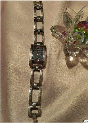 À vendre sur #vintedfrance ! http://www.vinted.fr/accessoires/montres/26172420-montre-emporio-armani-femme-couleur-argent-ar-5491