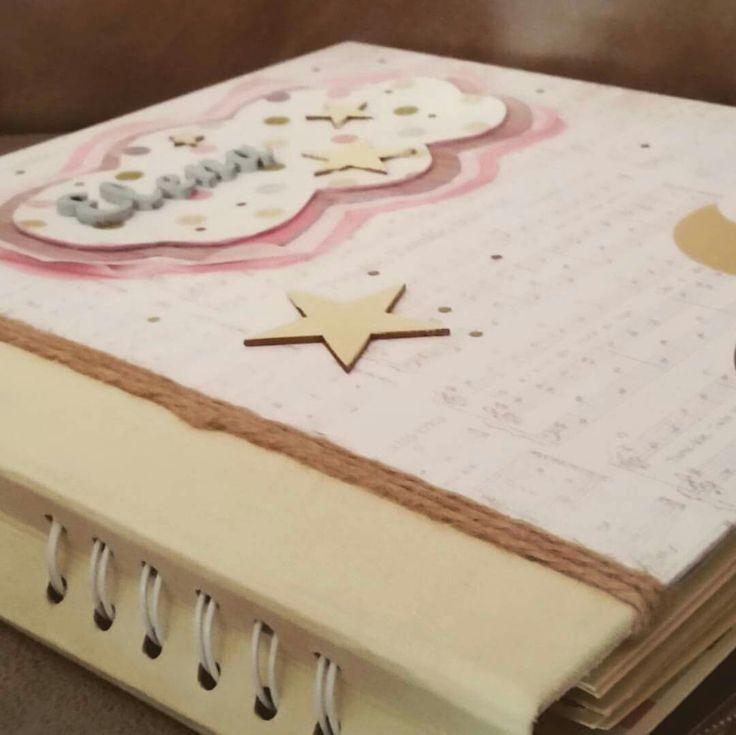 Mini álbum de bebé para la preciosa Elena
