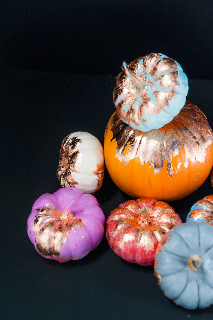 photographer : Rachel Shingleton Read More on SMP: http://www.stylemepretty.com/living/2016/09/30/go-glam-this-halloween-with-copper-foil-pumpkins/