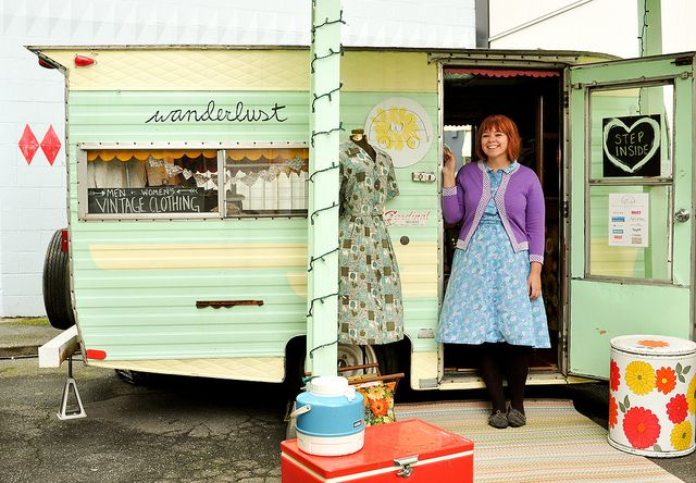my idea of superwoman: it's a camper, it's a food truck, no, it's a seriously cute shop