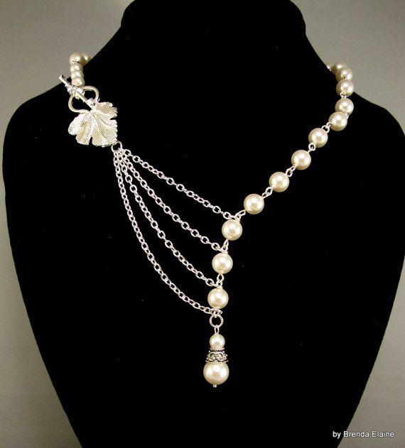 Elegante collar perlas con hoja de plata de por byBrendaElaine