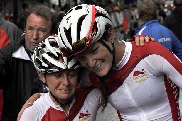 Lizzie Armitstead and Emma Pooley recorded an England one-two in a sensational Commonwealth Games women's road race on the final day of Glasgow 2014.