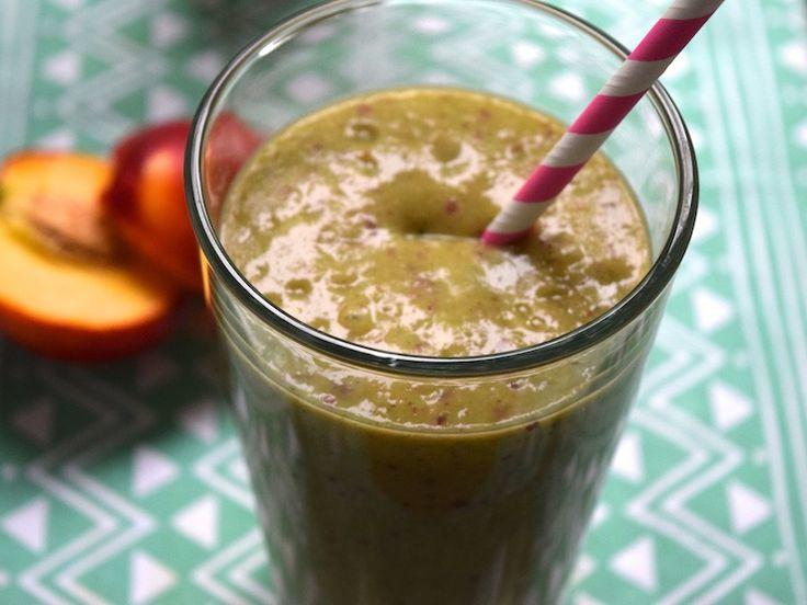 Nectarinesmoothie. Heerlijke variant op de groene smoothie. #groenesmoothie #ontbijt