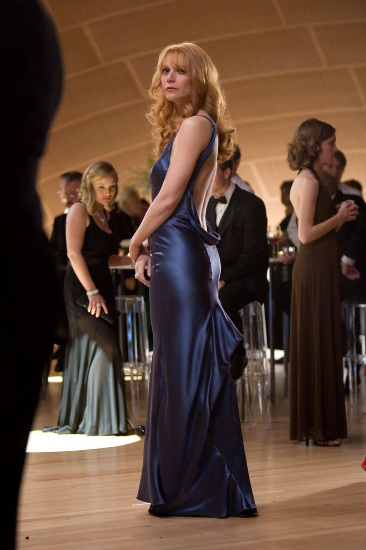 Pepper Potts is also an awesome superhero.<<<<- look at the girl in the back staring in envy!
