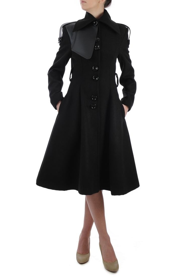 Palton din lana neagra cu insertii argintii