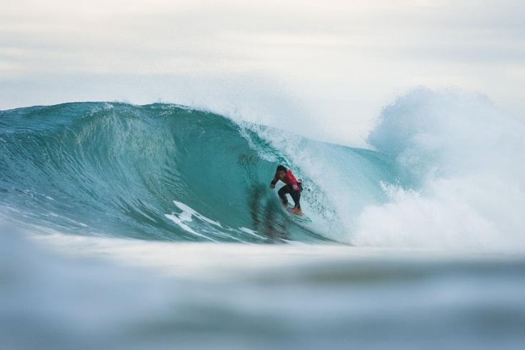 """World Surf League: Moche Rip Curl Pro Portugal Round 4 / Heat 2 winner Frederico Morais(local surfer) says """"I had nothing to lose"""" / Moche Rip Curl Pro PortugalのRound 4が行われ、ワイルドカードで参戦している地元サーファーFrederico Moraisが、トップで準々決勝へ進んだ。"""