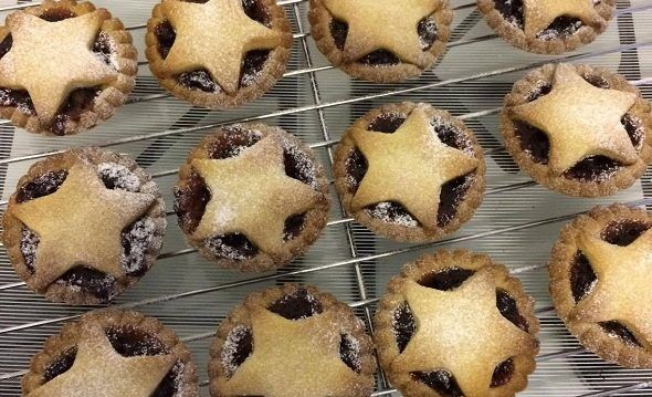 These vegan mince pies are a must for any Christmas party! Small and perfectly formed they are just as delicious as regular mince pies. Most mincemeat is vegan, but always