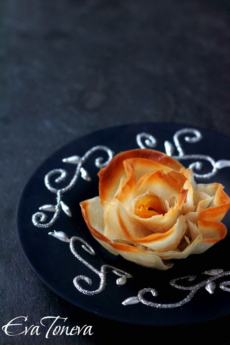 Sweet Phyllo - Roses ~ with butter, dried apricots, sugar and almonds. {Need to use translator for this sight.}