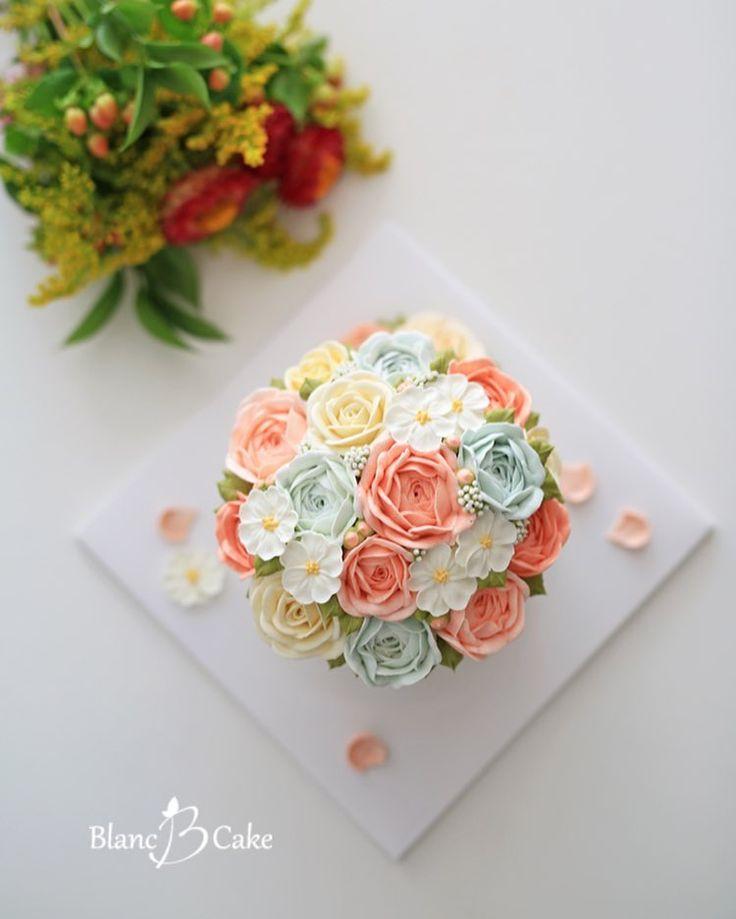 - Buttercream flowercake.  Пожалуйста, это для мини пирожных моркови Blossom ~ neomneom, кто заказал подарок на день рождения матери-yippeudago восхищение и вытянутыми, как хорошее время ~ ^^ Я гордая перекрестное bonaesyeotgil и семьи ~~ - - - ✔️ заказы будут работать на прием.  ✔️ регулярное, обогащение, кексы, один класс дня продолжается в любое время, чтобы быть принятыми.  📣 Каток Контакт: hyong1228.  ,  ,  # Блан не являющиеся торты # цветок торт # цветок торт # Butter Крем цветок…