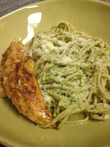 Dining In Skinny: Creamy Avocado Pasta. This would be interesting to try!