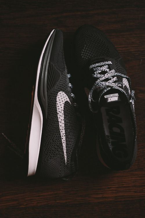 Nike Flyknit Racer