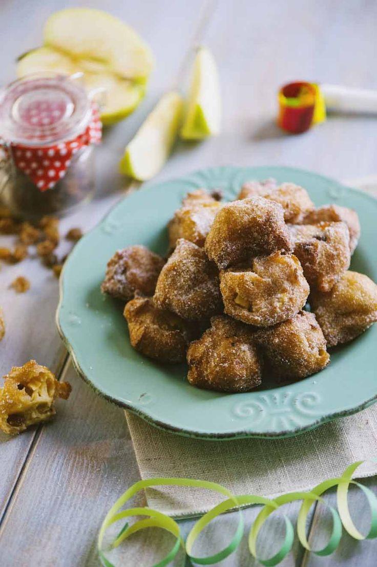 Come mi riportano bambina i tortelli di mele e uvetta! Quando me li preparavano per Carnevale era una gioia! Prova a far la mia versione!
