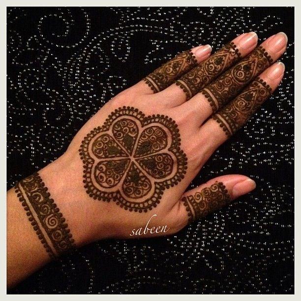 Mehndi Wrist Age : Images about henna wrist on pinterest